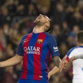 Alcácer celebra con rabia su primer gol con el Barça.
