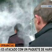 El momento en el que Manuel Valls ha sido agredido
