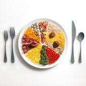 Alimentación rica en frutas, verduras, proteínas e hidratos de carbono limpios