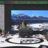 Juan Carlos Monedero y Alfonso Rojo con Isabel Gemio