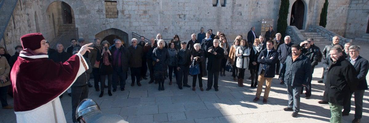 El presidente de la institución provincial, Javier Moliner, ha conocido la evolución de los trabajos de mejora del castillo de Peñíscola.