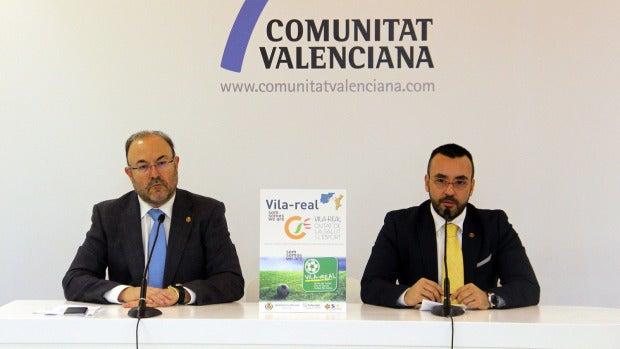 Imatge de L'alcalde  José Benlloch i el regidor de Turisme  Emilio Obiol presentant en Fitur 2016,  el projecte de ciutat de la salut i l'esport.