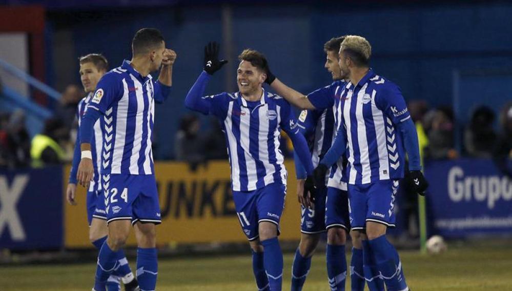 El Alavés celebra el gol ante el Alcorcón