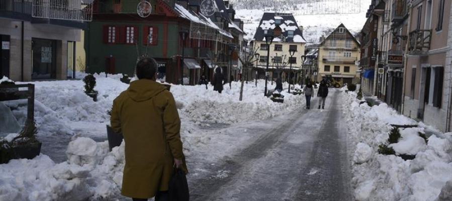 Una calle de Vielha, nevada