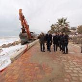 Moragues, ha visitado, esta mañana, el paseo marítimo de Almenara, uno de los más afectados por el temporal de diciembre.