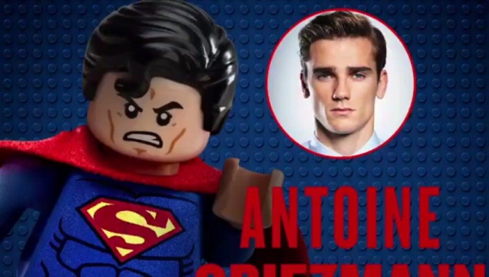 Griezmann se convierte en Superman en Lego Batman