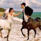 Montaje de novios con caballos