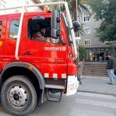 Un coche de bomberos en un suceso