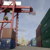 Imagen de los muelles del puerto de Valencia