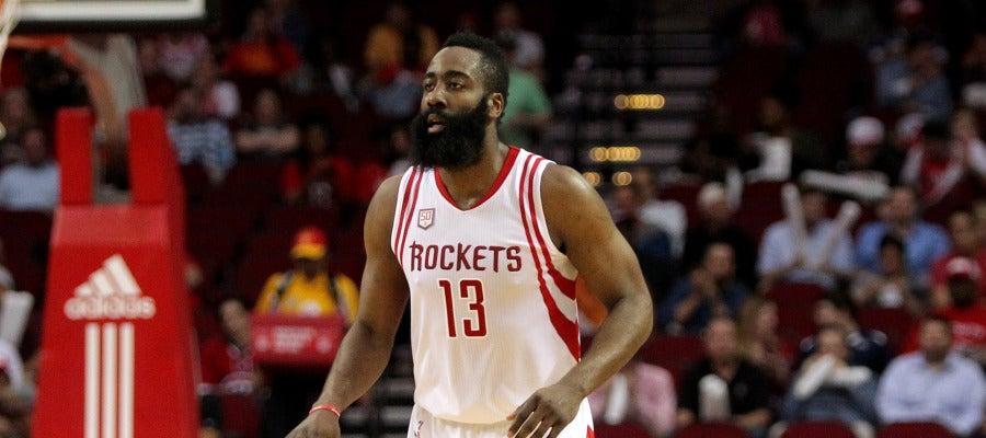 James Harden dirige el ataque de los Rockets