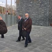 Basilio López, a su salida del Juzgado de Elche.