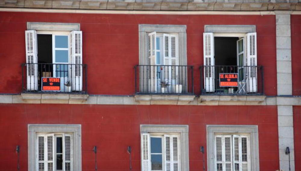 Una vivienda con el cartel de 'Se Vende'