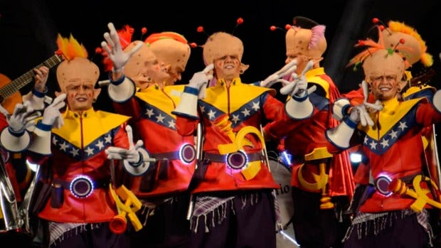 Así es la chirigota de 'Los del planeta rojo, pero rojo, rojo' en el Carnaval de Cádiz