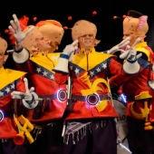 Los del planeta rojo, pero rojo, rojo durante una actuación en el Carnaval de Cádiz