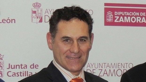 De la Morena se indigna con el presidente de la federación de piragüismo. Nuevos piragüistas denuncia que tienen que pagar sus propios viajes