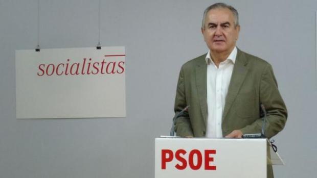 """Rafael González Tovar: """"Nadie obligó a Pedro Antonio Sánchez a que en su pacto con C's figurara tan explícitamente su compromiso de dimisión"""""""