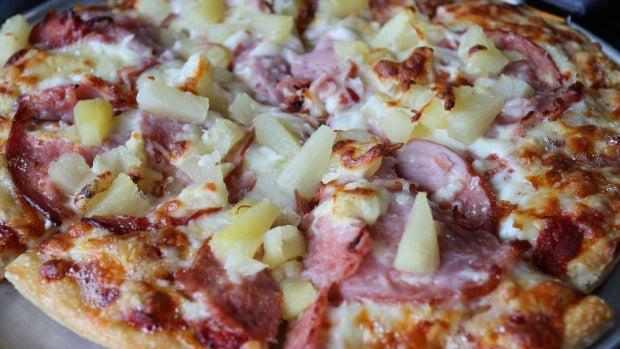 Mesa de redacción: El presidente de Islandia, contra la piña en la pizza