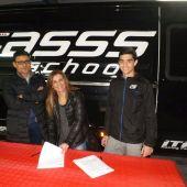 Coque López, durante el acto de la firma con el equipo que competirá en el CEV.