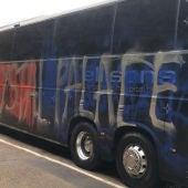 Autobús del Crystal Palace con pintadas