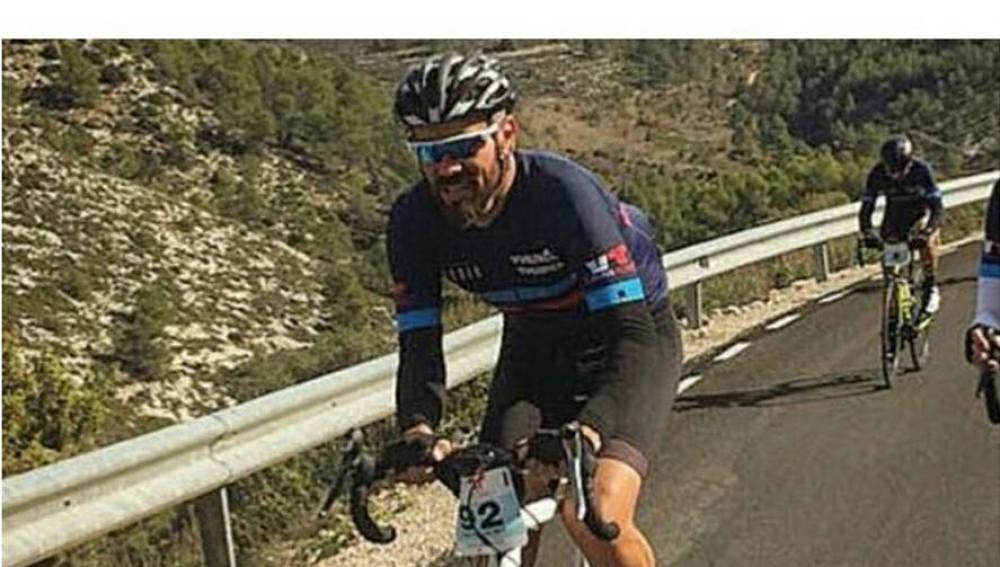 Fotografía del ciclista arrollado que están difundiendo sus amigos.