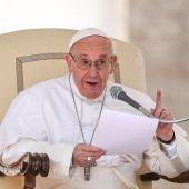 El Papa Francisco preside la audiencia general de los miércoles en la plaza de San Pedro del Vaticano