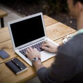 Trabajar en una oficina provoca un aumento de la circunferencia de la cintura de dos centímetros