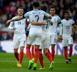 Inglaterra celebra un gol de Vardy