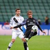 Fabio Coentrao en el partido frente al Legia