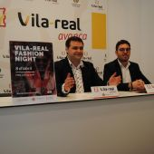 El regidor d´Economía, Xavi Ochando i el president d´UCOVI Paco Arrufat presenten la IV edició de la Fashion Night per al 8 d´abril.