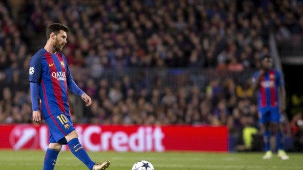 Messi, cabizbajo en el partido del Camp Nou