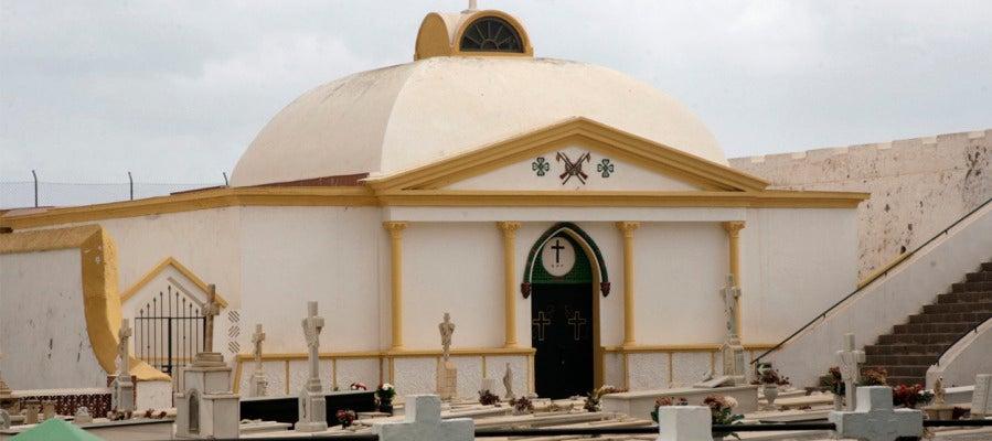 Imagen del pabellón militar donde reposan los restos del general Sanjurjo, que han recibido sepultura en Melilla