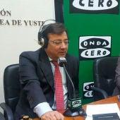 El presidente de la Junta de Extremadura, Guillermo Fernández Vara, durante una entrevista con Carlos Alsina en Yuste