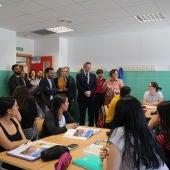 El presidente de la Generalitat, Ximo Puig, y el conseller de Educación, Vicent Marzà, han visitado el IES Honori Garcia.