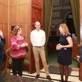 La alcaldesa, Amparo Marco, se ha reunido con la gerente territorial del organismo de Hacienda.