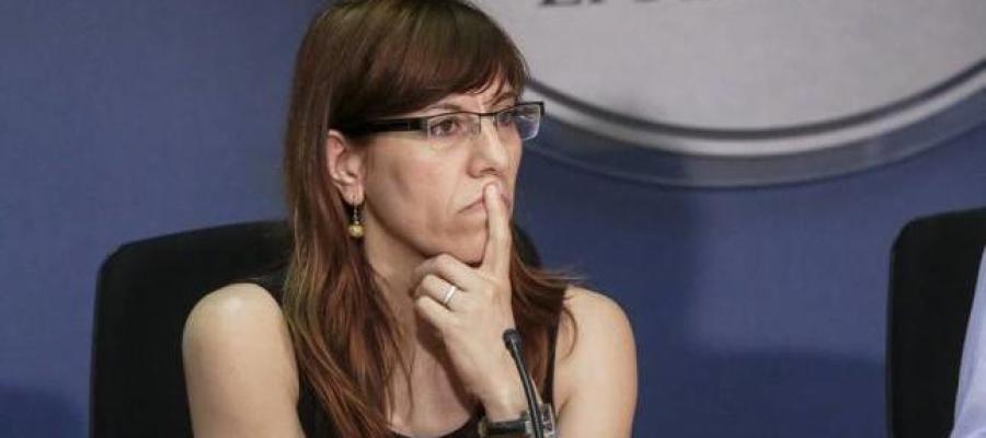 La portavoz parlamentaria de Podemos en Baleares, Laura Camargo, durante una comparecencia.