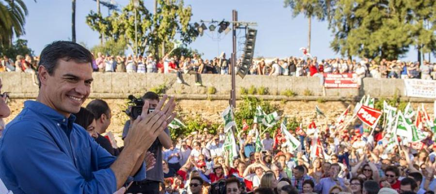Pedro Sánchez cierra su campaña en Andalucía.