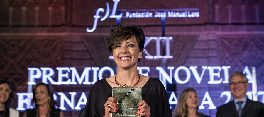 La periodista y escritora Sonsoles Ónega gana el Premio Fernando Lara
