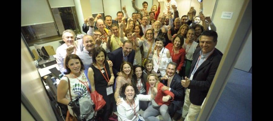 Celebración de la victoria de Sánchez en Ferraz