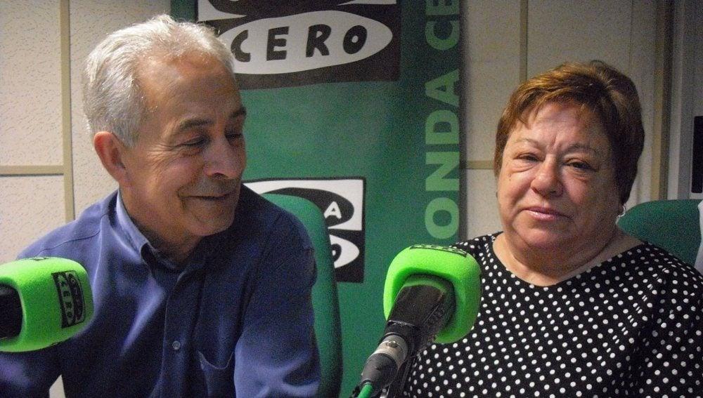 Premio Onda Cero de la Salud, a los padres de Eva Martín Romo, la promotora de la iniciativa Apadrina una Peluca. La paciente de cáncer, fallecida, puso en marcha la acción para financiar pelucas a pacientes oncológicas.
