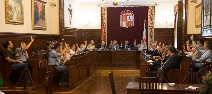 """Este pleno extraordinario tiene por objeto el """"dar respuesta dentro del Plan Castellón 135 a todos aquellos ayuntamientos que han solicitado obras que por su temporalidad tienen un carácter urgente."""