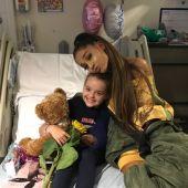 Ariana Grande visita en el hospital a víctimas del atentado en Manchester
