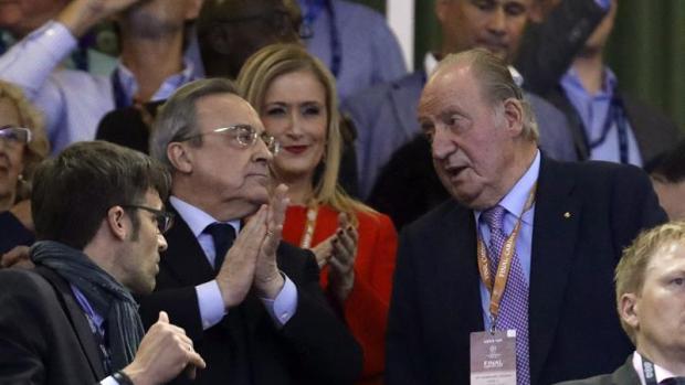 """Florentino Pérez: """"Zidane es un mago, la próxima temporada seguiría con los mismos"""""""