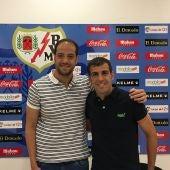 Raúl Granado con el futbolista del Rayo, Trashorras