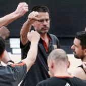 Pedro Martínez, en un entrenamiento de Valencia Basket