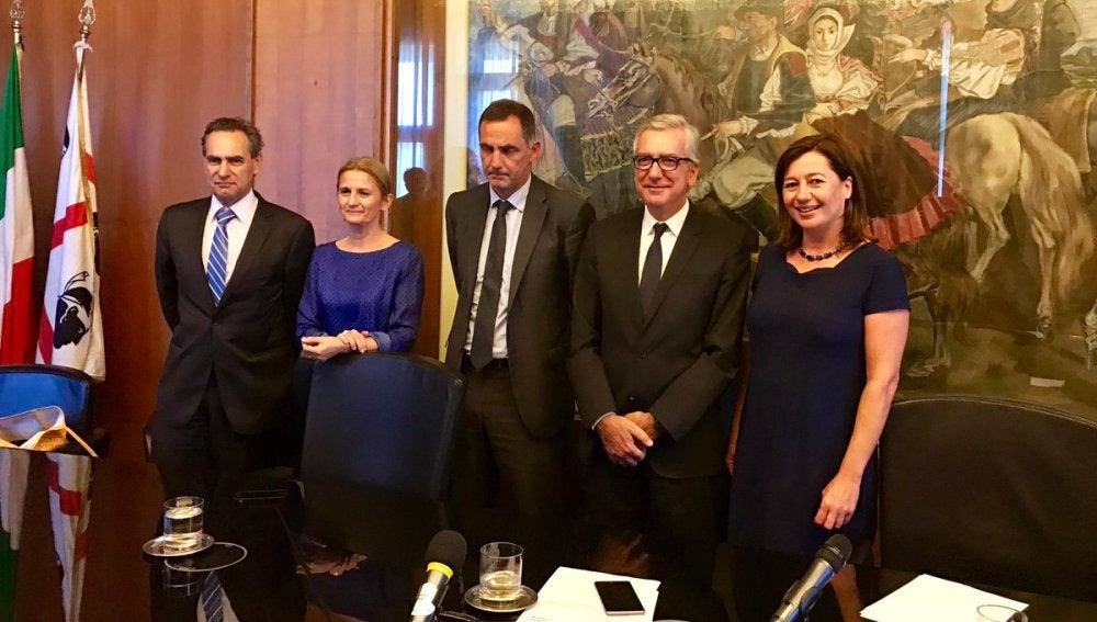 La presidenta del Govern balear, Francina Armengol, junto a los presidentes de Cerdeña, Francesco Pigliaru, y de Córcega, Gilles Simeoni