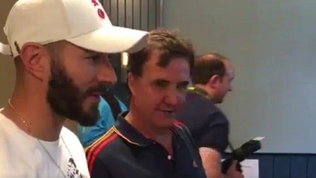 Karim Benzema con José Ramón de la Morena.