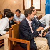 Los seis hermanos Ruiz-Mateos en un momento del juicio