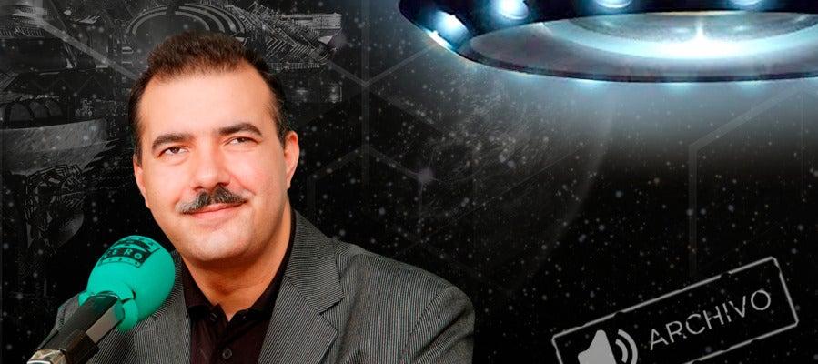Juan Antonio Cebrián dirigió el programa especial Turno de noche Cazadores de ovnis