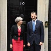 Theresa May y el Rey Felipe VI