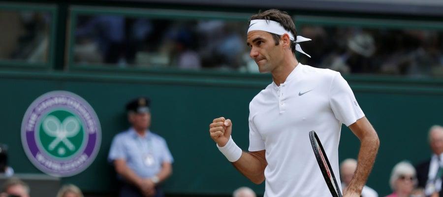 Roger Federer celebra uno de sus puntos ante Cilic
